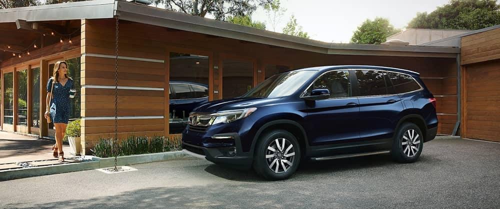 2020 Honda Pilot in driveway
