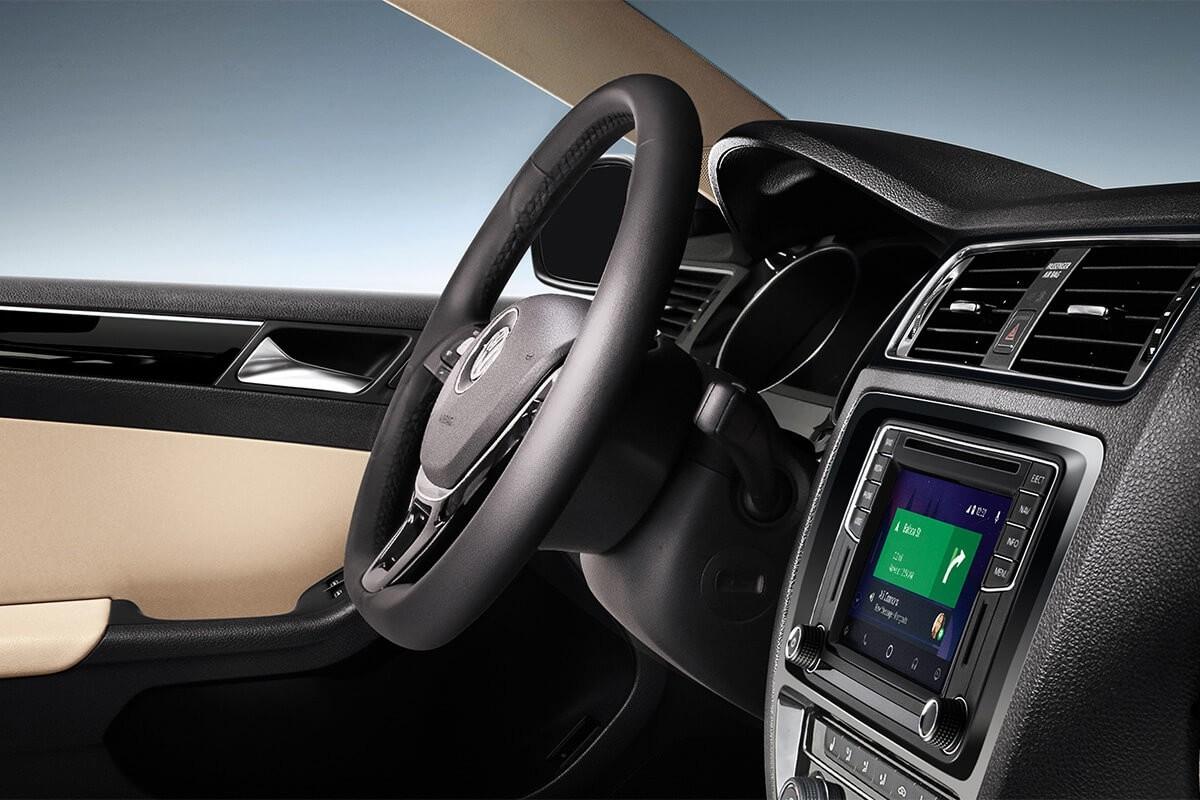 2017 Volkswagen Jetta interior