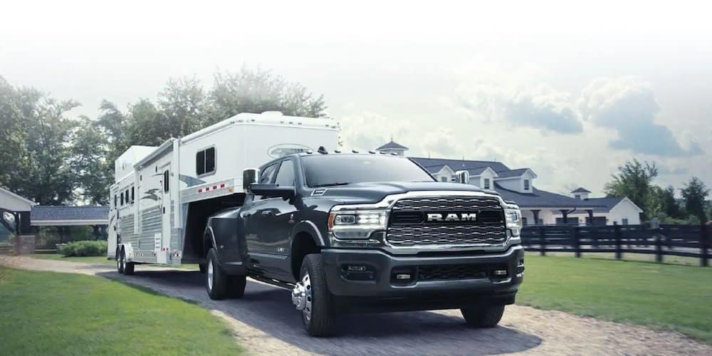 2019 ram 3500 towing trailer