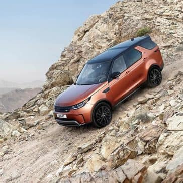 2019-land-rover-discovery-climb