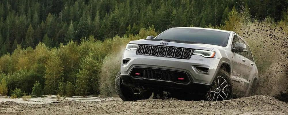 2019 Jeep Grand Cherokee off-roading
