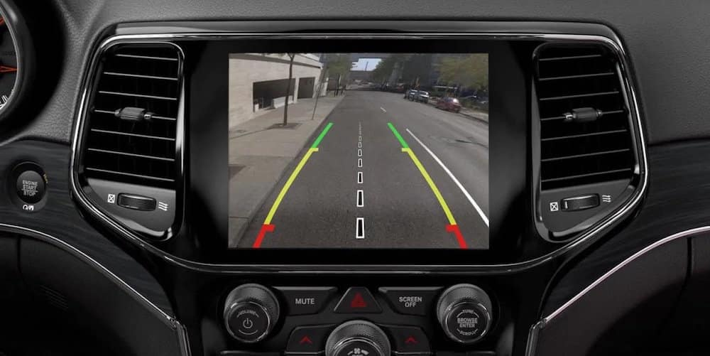 Interior view of the 2019 Jeep Grand Cherokee rearview camera system