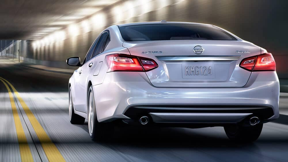 2018 Nissan Altima sedan rear exterior pearl white