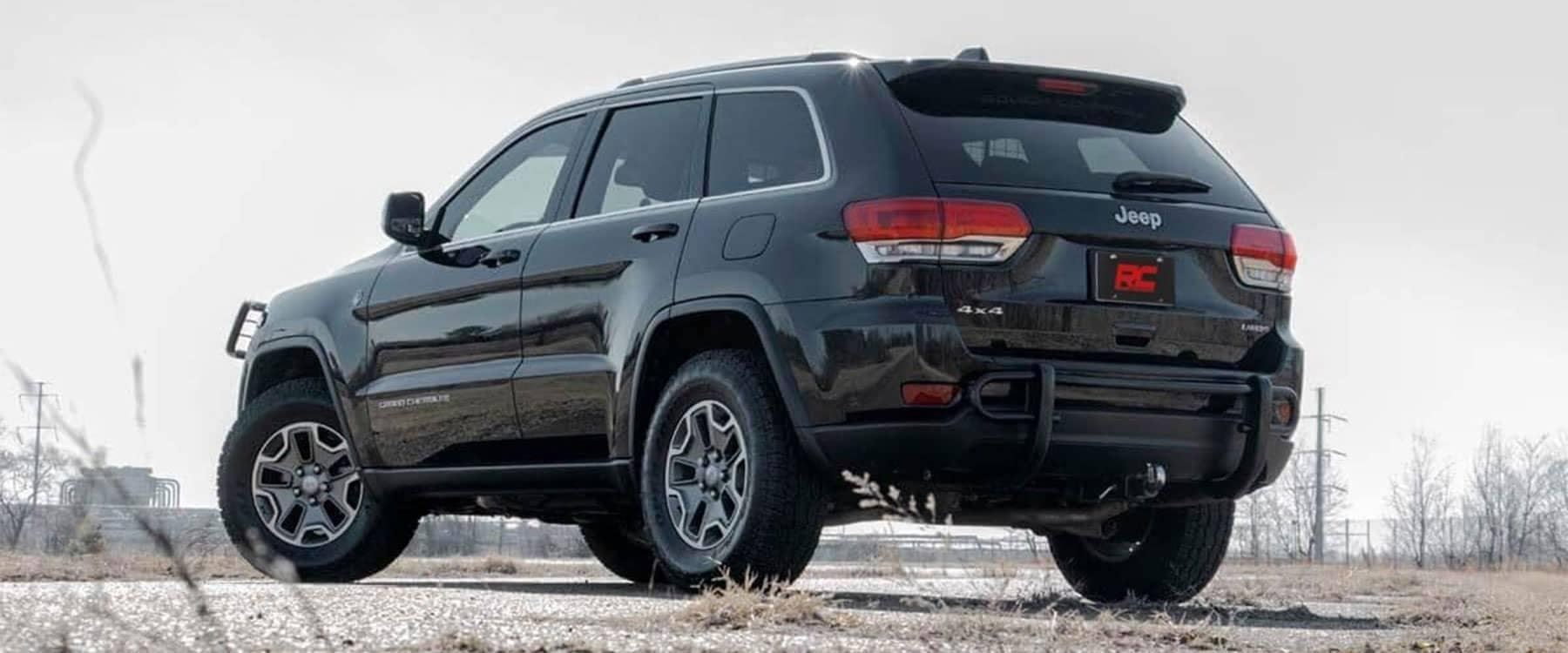 Gurnee CDJR 2018 Jeep Grand Cherokee 2 inch leveling kit Rough Country