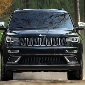 2019 Jeep Grand Cherokee front end