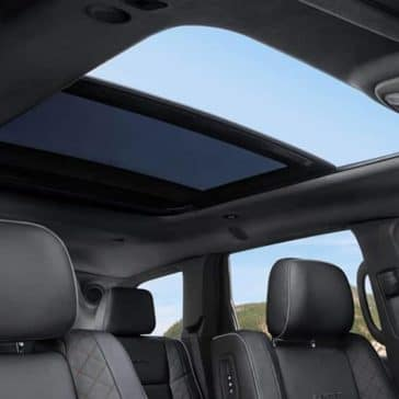 panoramic roof in 2019 Jeep Grand Cherokee