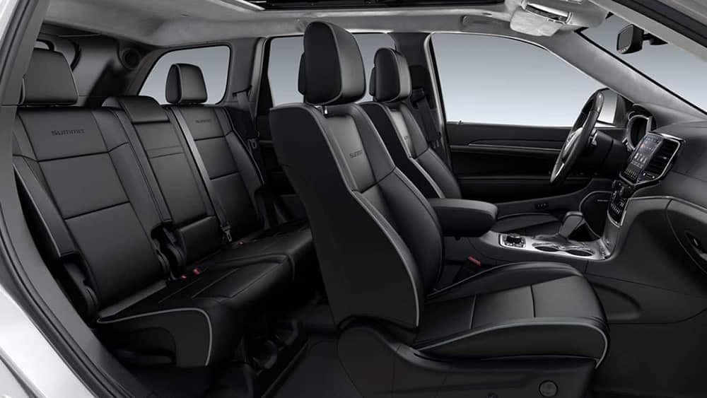 interior cabin of 2019 Jeep Grand Cherokee