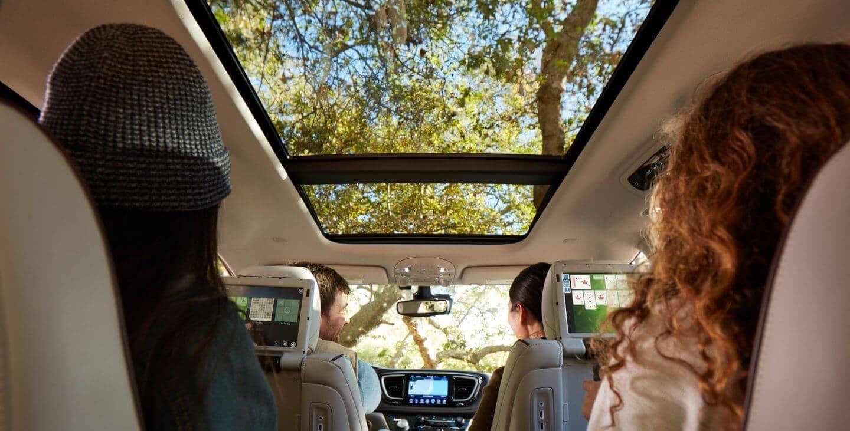 2018 Chrysler Pacifica sun roof