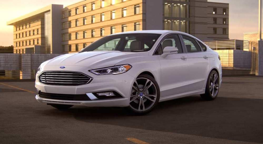 ford_fusion2018-lineup-dealership