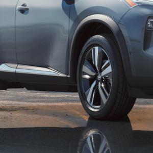 2021 Nissan Rogue tires