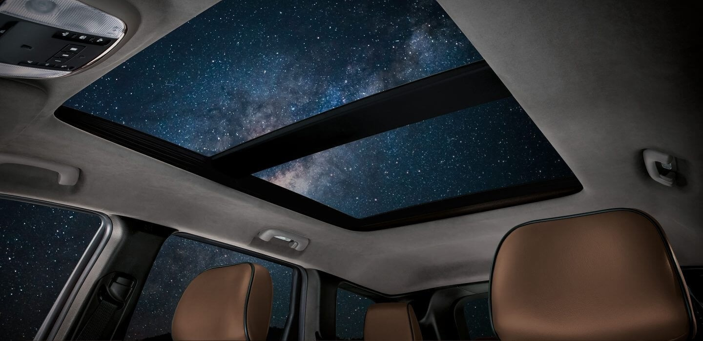 2017 Jeep Grand Cherokee Sunroof Nighttime View