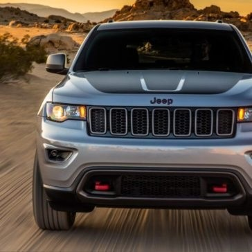 2017 Jeep Grand Cherokee driving front end view