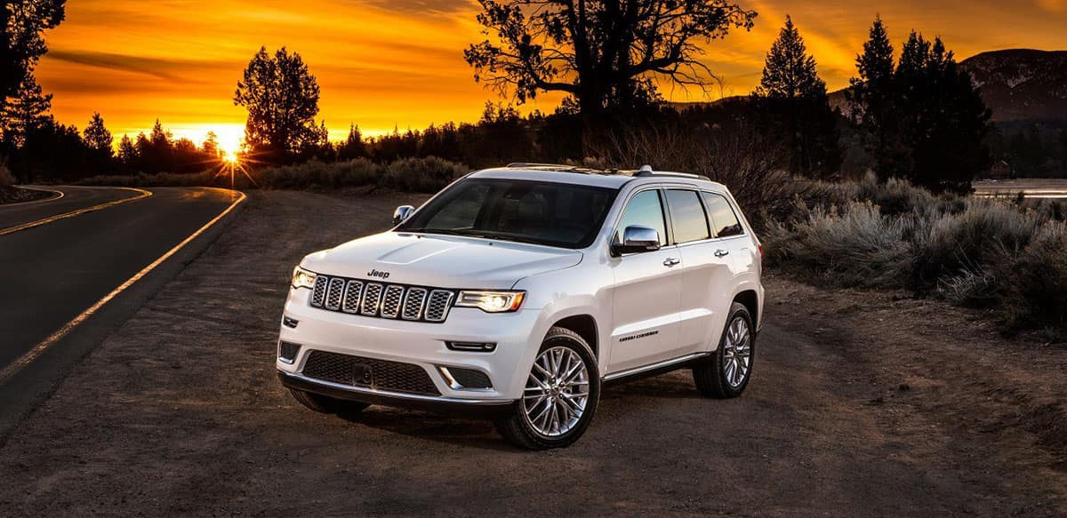 2018 Jeep Grand Cherokee white exterior model