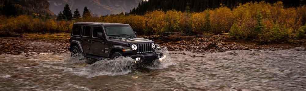 2018 Jeep Wrangler wading through water