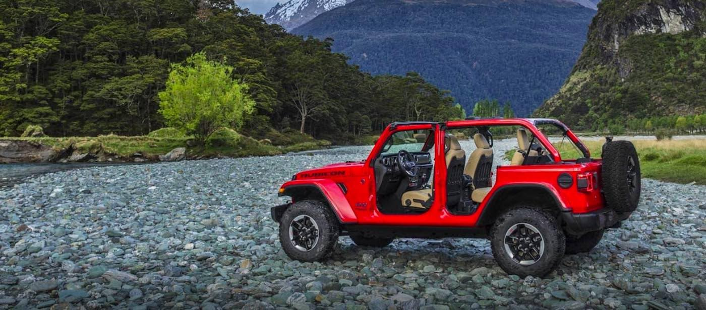 2019 Jeep Wrangler Rubicon in mountain range