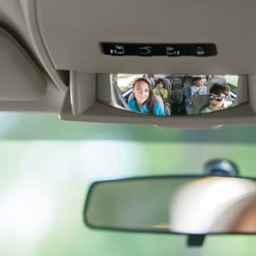 2018 Dodge Grand Caravan camera display and mirror