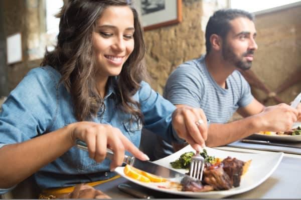 friends eating at restaurants