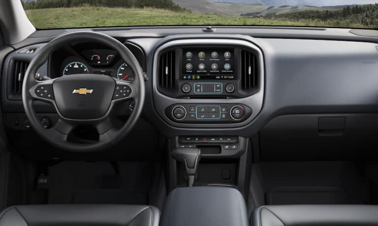 2021 Chevy Colorado interior infotainment