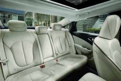 Chrysler 200 Backseat