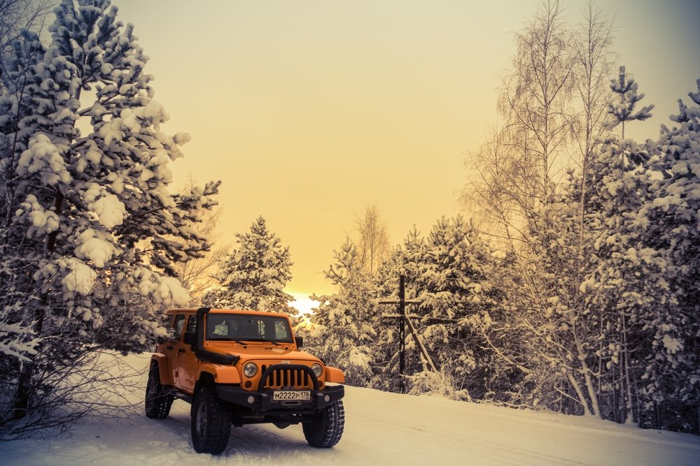 Jeep Wrangler Off-road in the snow