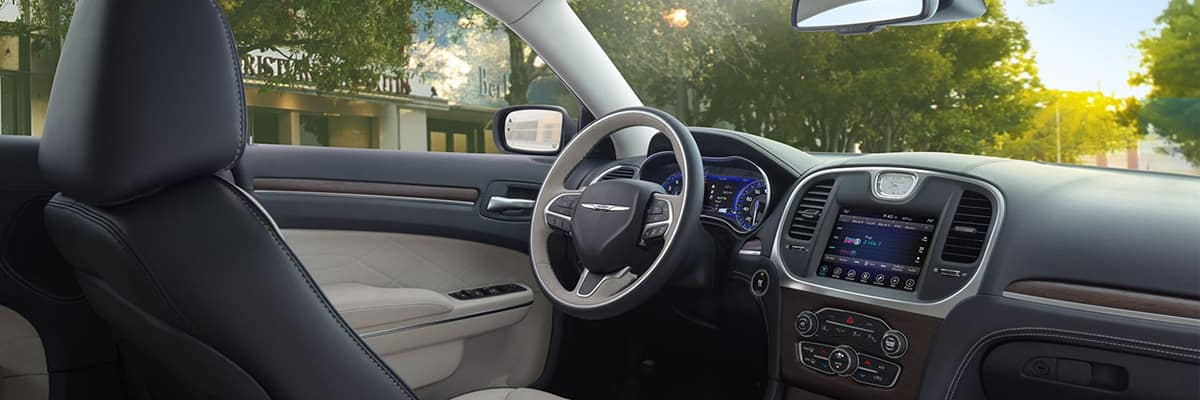 owned in limited sedan chrysler inventory rwd pre hollywood certified used