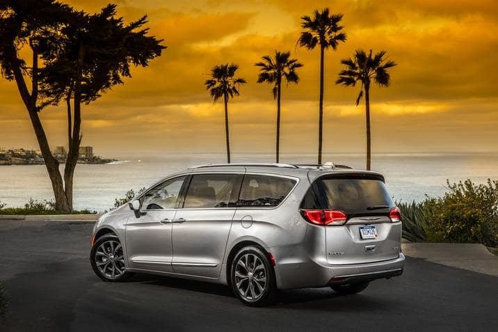 When The Chrysler Pacifica First Appeared It Re Engineered With A Brand New Platform From The Ground Up To Spark A Tradition Of Innovation Bold Style