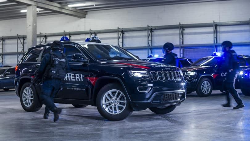 Hollywood Chrysler Jeep Italian Carabinieri Grand Cherokee