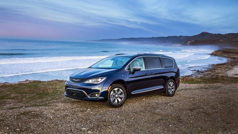 Hollywood Chrysler Jeep Pacifica Hybrid Better Than 3-Row Crossover