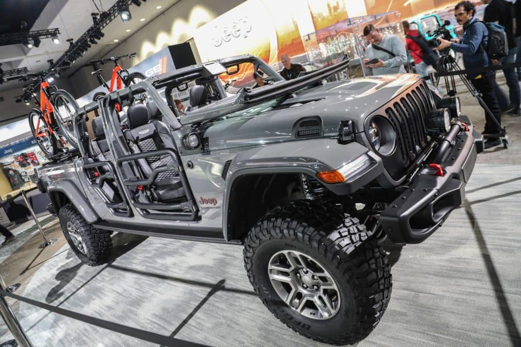 : 2020 Jeep Gladiator Has A Camera and That's Something ...