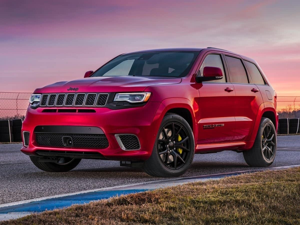 The Jeep Trackhawk Is Now the Fastest SUV On Ice