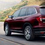 2020 Honda Pilot taking a turn