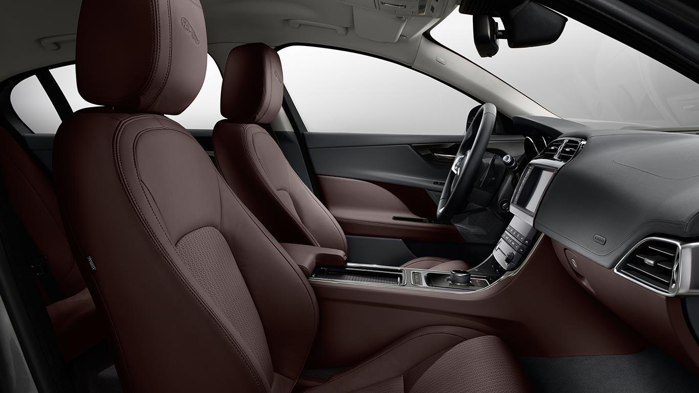 2018 Jaguar XE Interior Cabin