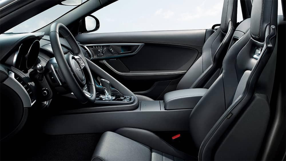 2020-Jaguar-F-TYPE-interior-view-of-front-seats