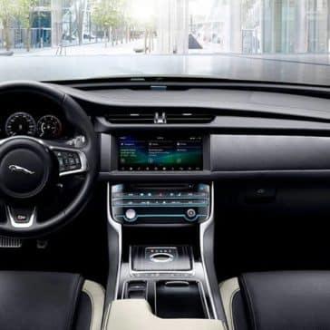 2020 Jaguar XF Dash