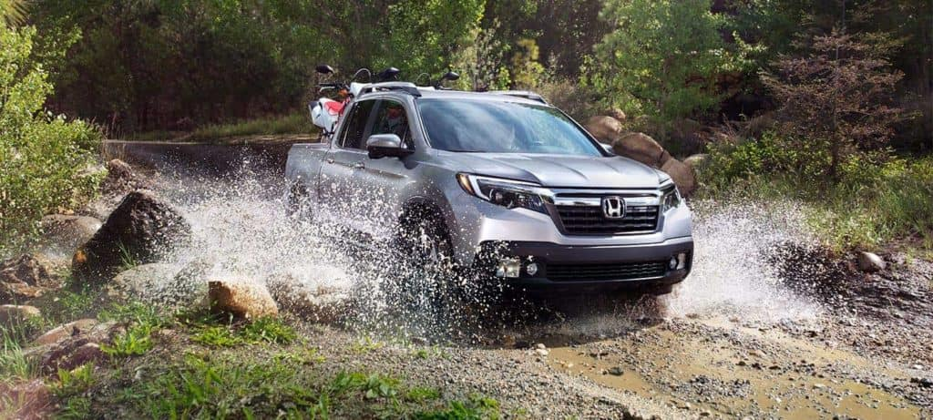 2019 Honda Ridgleine driving through water