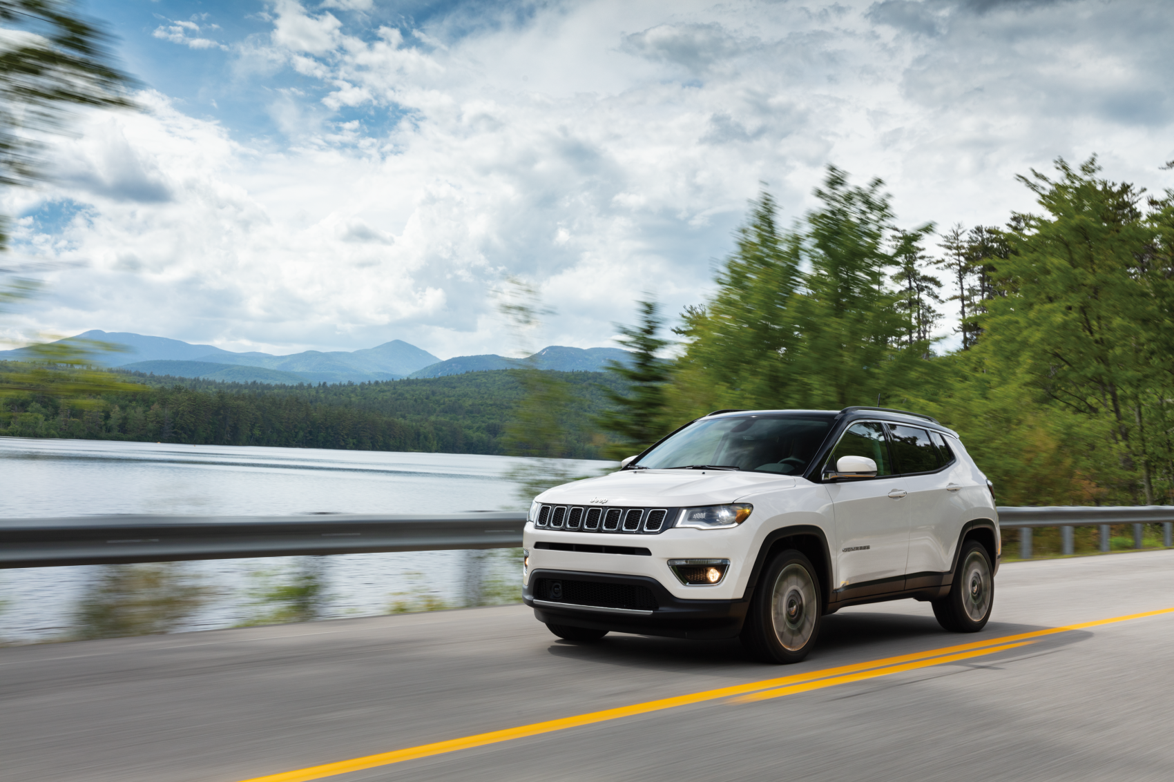 2021 Jeep Compass Limited Pearl White Mountain Road LaFontaine CDJR of Saline