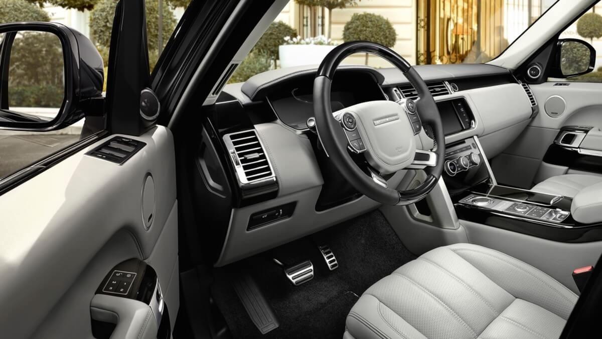2017 Land Rover Range Rover Interior Cabin