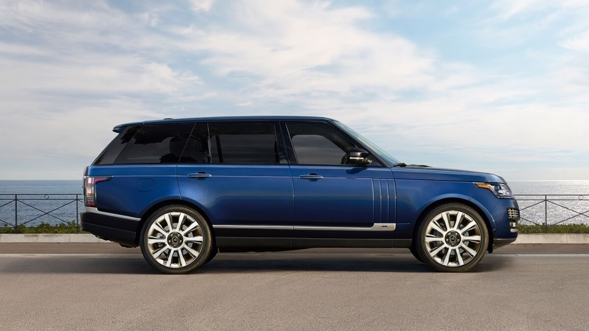 2017 Land Rover Range Rover side profile
