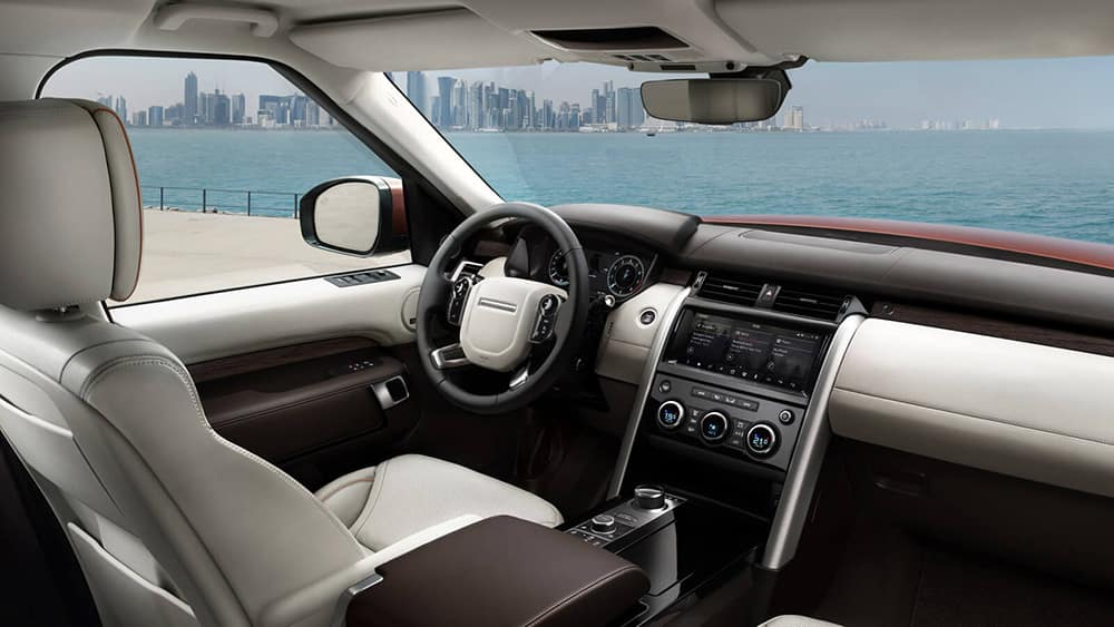 2019-land-rover-discovery-interior