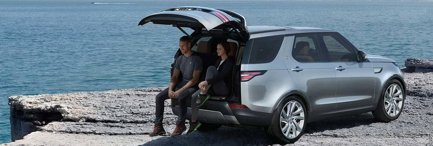 2020 Land rover discovery image5