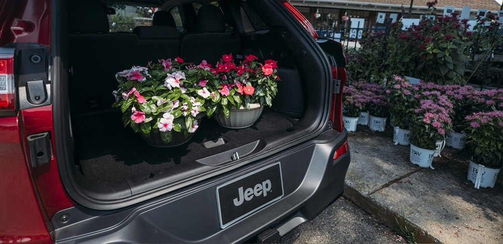 2017 Jeep Cherokee trunk