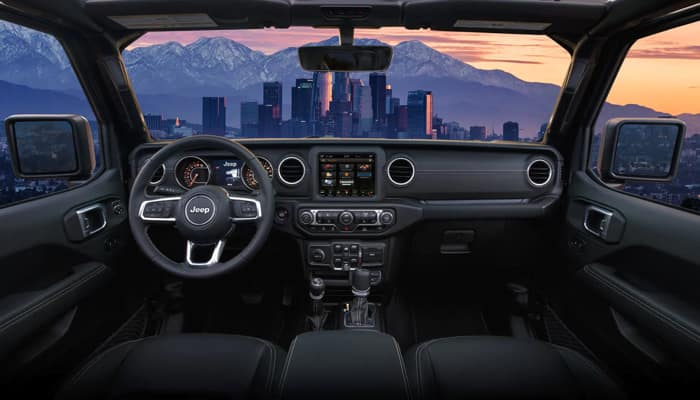 The spacious interior of the 2020 Jeep Gladiator