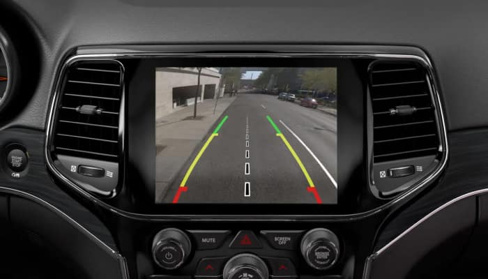 Rear-view camera inside the 2019 Jeep Grand Cherokee