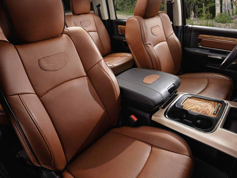 The spacious interior of the 2019 RAM 1500