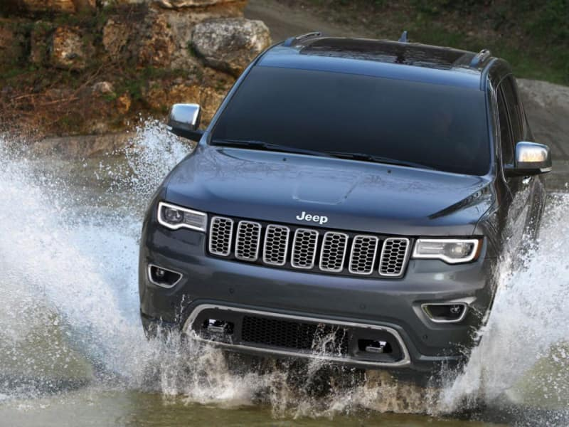 The 2020 Jeep Grand Cherokee for sale at Larry Roesch CDJR in Elmhurst, IL