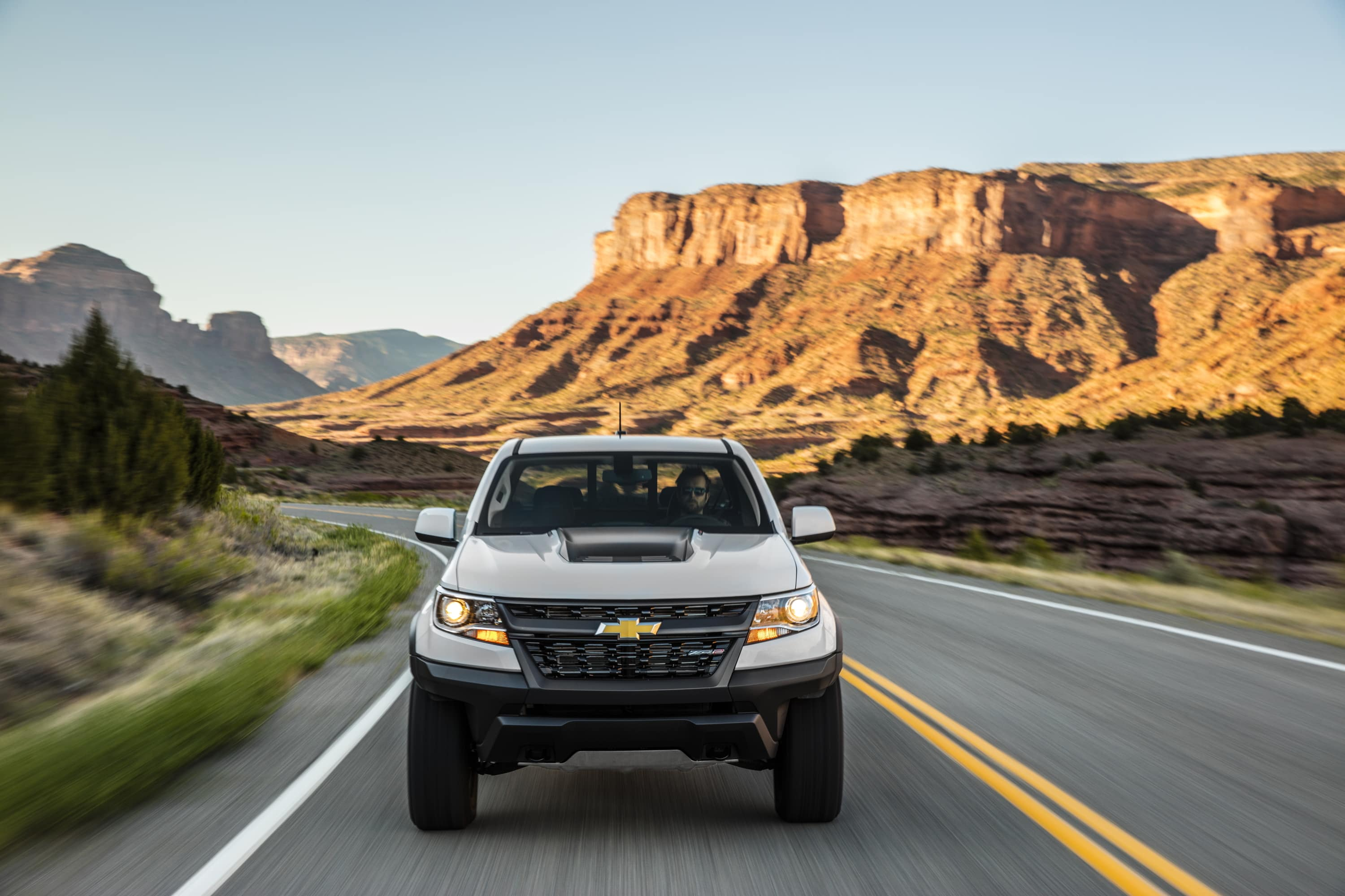 road chevrolet truck car colorado off review features capabilities