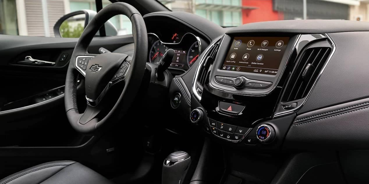 interior dash of 2019 Chevrolet Cruze