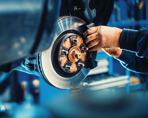 Service-Mechanic-Brakes-iStock