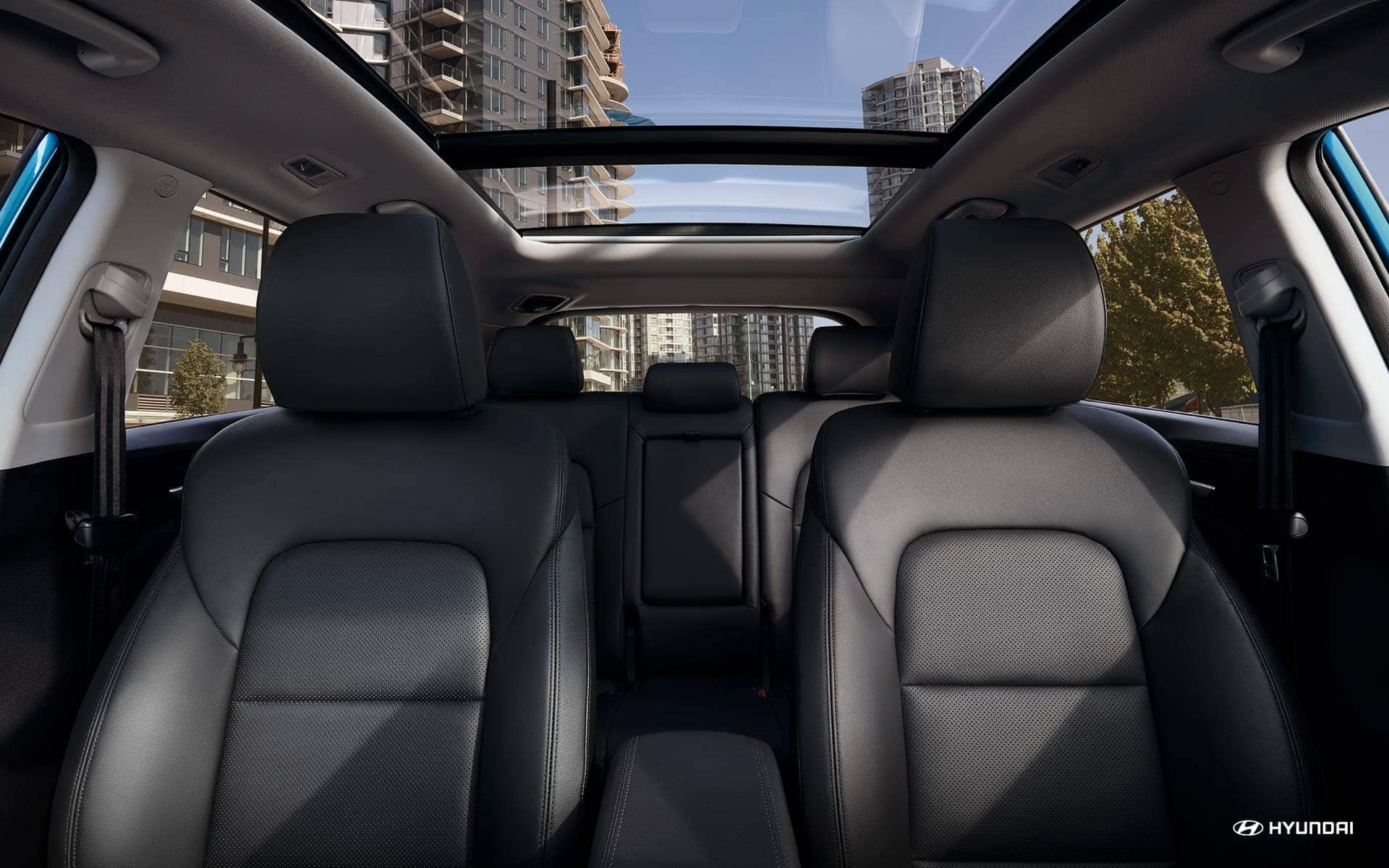 2019-Hyundai-Tucson-leather-seating-surfaces