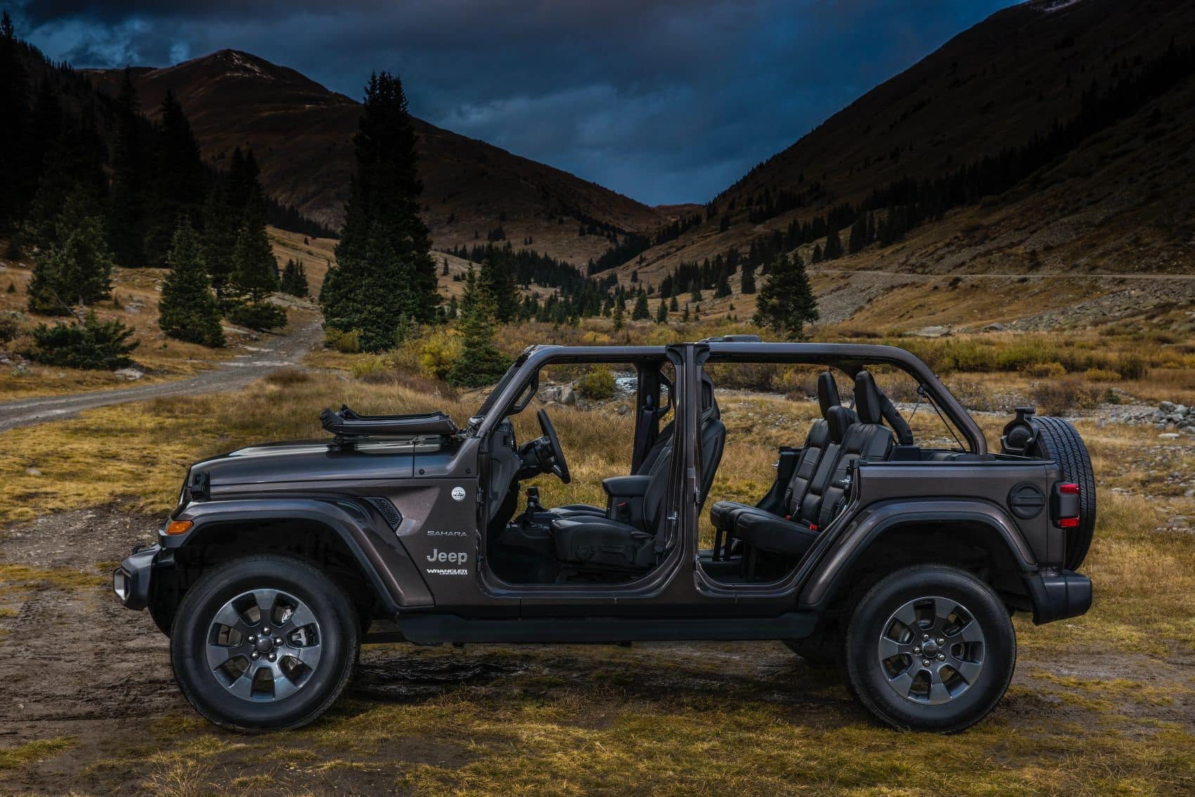 2021 Jeep Wrangler JL Unlimited Sahara Black